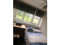 NICE DOUBLE ROOM IN GOOD LOCATION TO RENT
