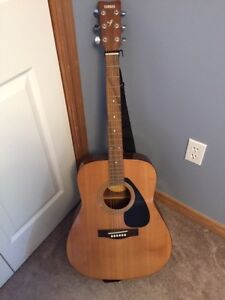Yamaha Guitar F210