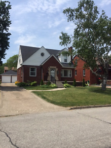 2251 Gladstone - South Walkerville Home For Sale Open House