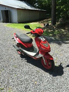 Scooter TGB 303 Rs