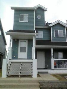 Two Bedroom Townhouse in Sylvan-3 blocks to beach! 2 wks free!