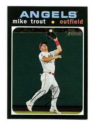 2020 TOPPS HERITAGE #466 MIKE TROUT ACTION IMAGE VARIATION SP SHORT PRINT 466