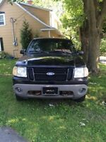 2001 Ford Explorer SUV, Crossover