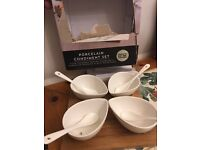 TAYLORS EYE WITNESS Condiment Set with Acacia Wood Stand Porcelain, White - £15
