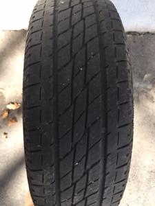 1 Pneu TOYO H/T 215/65R16 Tire