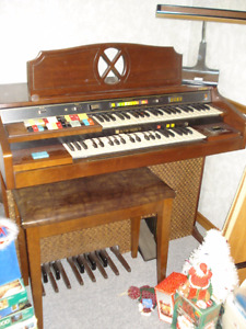 Hammond Organ with Bench, Still Sounds Good!