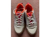 Reduced - Ladies / teenage indoor sports shoes - size 4 - never used