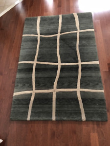 4x6 ft Charcoal Wool Area Rug