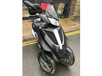 2011 Piaggio MP3 Yourban LT 278cc in Black great condition + Top Box
