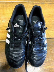 ADDIDAS Youth Girls Indoor Soccer Shoes