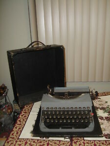 RARE ANTIQUE 1935 MODEL 5 -REMINGTON PORTABLE TYPEWRITER-$149.99