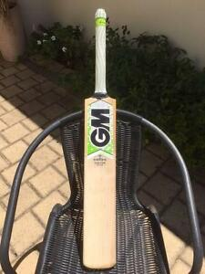 Gunn & Moore (GM) Maestro - Custom Edition Cricket Bat Southern River Gosnells Area Preview