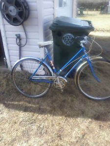 2 antique super cycle womens bikes...needs minor adjustments tir
