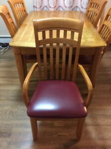 Solid Oak Dining Table, and 6 Leather Chairs