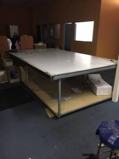 Table / Work bench - large