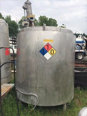 Used 1100 Gallon Stainless Steel Heated Mix Tank.