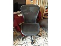 Herman Miller Aaron Chair Size C