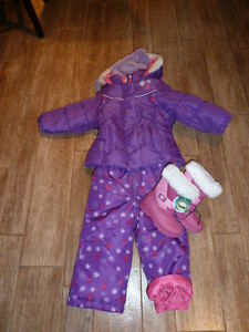 Carter's girl's size 2T 2 piece snow suit hat and boots