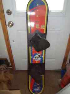 GOOD USED KIDS SIZE PELICAN 130CM SNOWBOARD