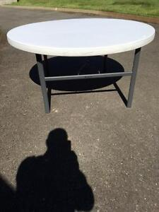 60 in round folding tables