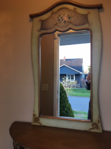 Mirror and entry table