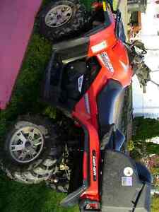 can-Am outlander very  good condition/ tres bonne condition