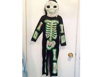 kids Halloween costume size 6-7 years