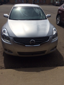NEWLY REDUCED!! 2010 Nissan Altima Sedan(Offers are welcome)