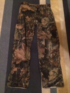 Camo youth hunting pant size Large
