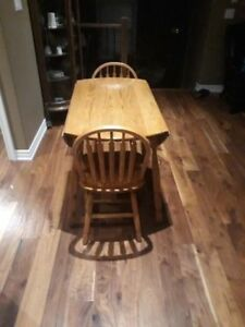 Solid Oak Round Table with Chairs