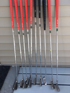 Ladies' right handed set golf irons and putter, steel shaft