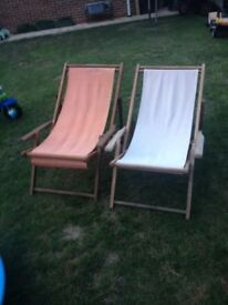 2x folding deck chairs