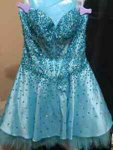 PROM DRESS - GREAT CONDITION, ONLY WORN ONCE!