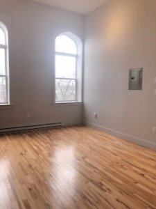 Brand new 1 bedroom located on Brunswick Street