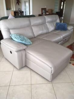 Leather Lounge with 3 electric reclining positions incl. Chaise
