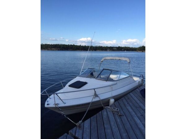 Used 2002 Bayliner Capri 1952