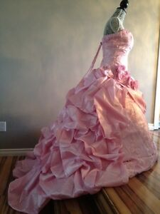 ONE OF A KIND PINK DRESS! Ball Gown Perfect for Wedding or Grad