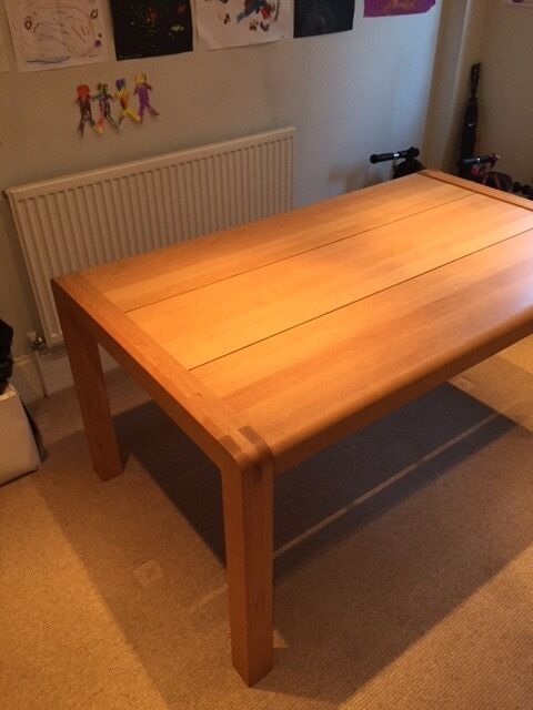 habitat radius 6 seat solid oak dining table | in cheltenham