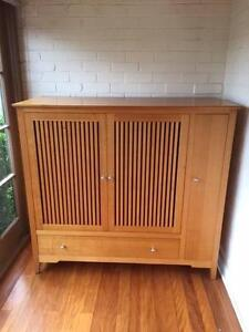 Tasmanian Oak TV or drinks cabinet Seaforth Manly Area Preview