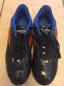 Outdoor Soccer Cleats - youth size 5