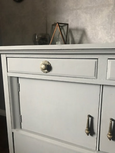 LOVELY Antique Buffet/Sideboard/Console