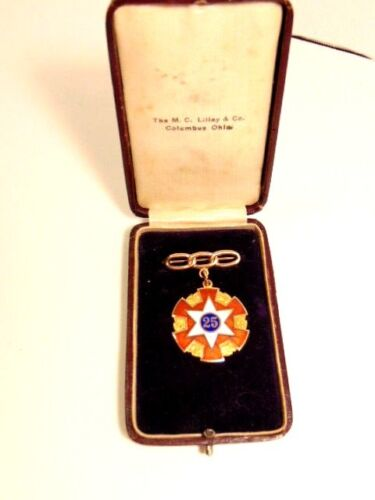 Vintage 10K gold and enamel 1911 Odd Fellows 25th anniversary medal