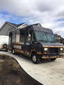 2016 CUSTOM  FOOD TRUCK BUILT IN AIRDRIE  A.B