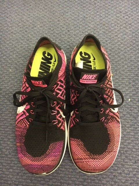 49d6cfb1a137 LIGHTWEIGHT NIKE WOMENS RUNNING TRAINERS PINK-BLACK SIZE 6.5 EU 40.5 Used
