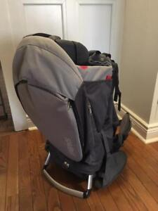 Mint condition phil&teds Escape Baby Carrier (Charcoal/Charcoal)
