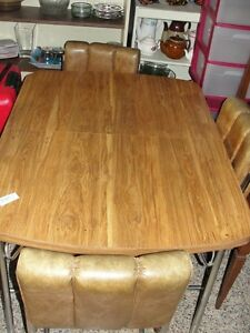 Vintage dining room table with 4 chairs