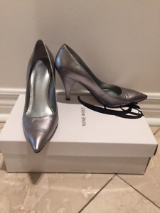 Nine West Silver Leather Pumps Heels