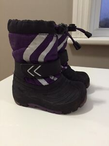 OshKosh Winter Boots - Size 5/6