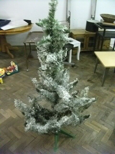 Artificial Christmas Tree Sizes.Artificial Christmas Tree Height 160 Cm In Central London London Gumtree
