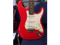 Fender Squier strat in fiesta red
